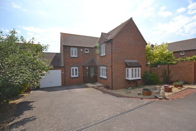 Thumbnail Detached house for sale in Robinson Close, Selsey