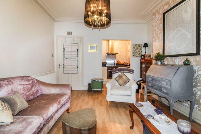 Lounge / Kitchen of 5 Northfield Place, Aberdeen AB25