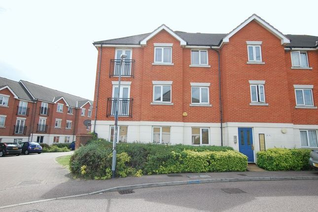 Thumbnail Flat to rent in Grenville Road, Chafford Hundred, Grays
