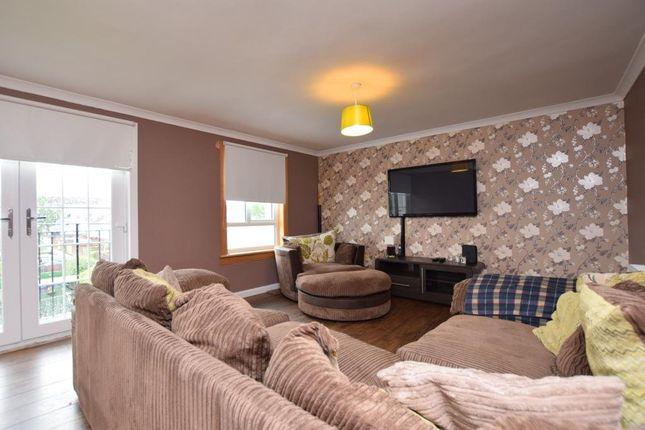3 bedroom flat to rent in Wilson Avenue, Linwood, Paisley
