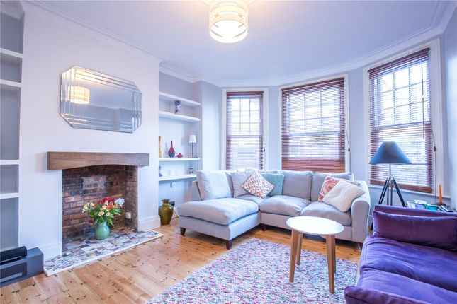 2 bed maisonette for sale in Sedgemere Avenue, East Finchley, London