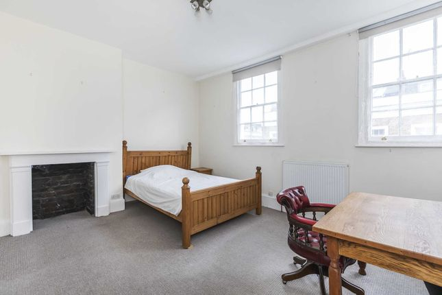 Room to rent in Moreton Street, London