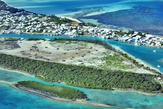 Thumbnail Land for sale in 563004 / Charles Island, Eleuthera, Bahamas / Charles Island, Bahamas