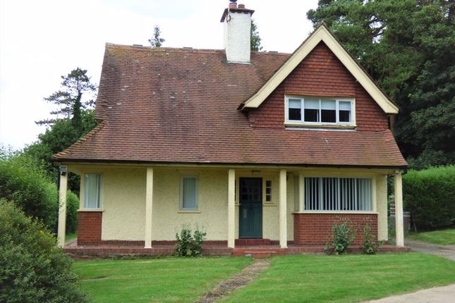 Thumbnail Detached house to rent in Aylesbury Road, Great Missenden