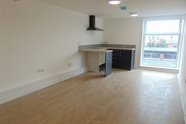 Studio to rent in Flat 5, Yorke House, 16 Ormerod Street, Burnley, Lancashire BB11