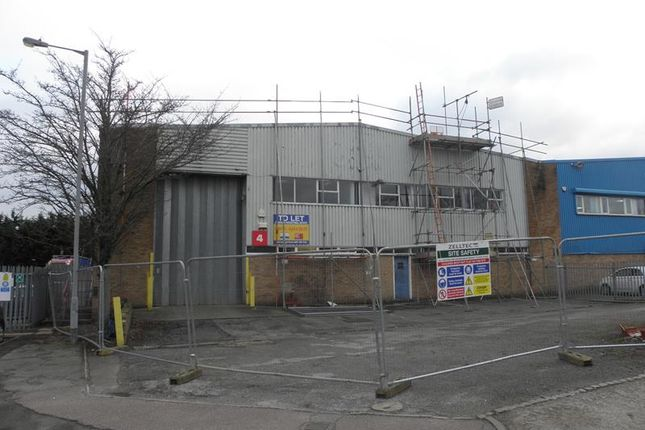 Thumbnail Light industrial to let in Unit 4 Stadium Industrial Estate, Cradock Road, Luton, Bedfordshire
