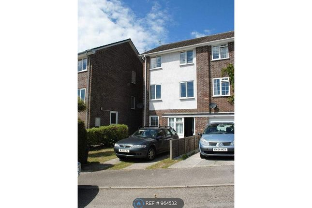 5 bed semi-detached house to rent in Pengarth Rise, Falmouth TR11