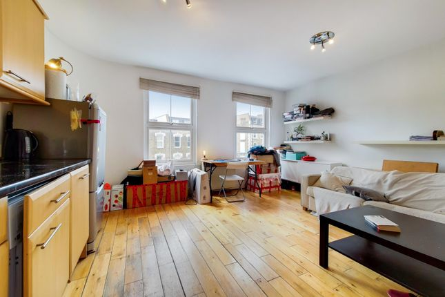 Thumbnail Flat to rent in Battersea, Lavender Hill