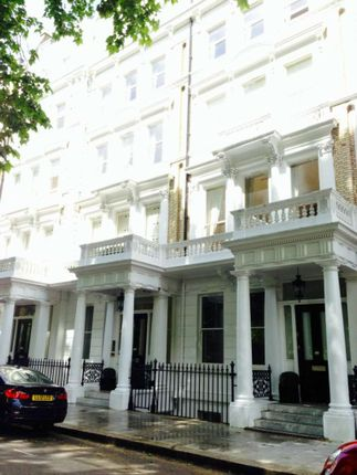 2 bed flat to rent in Sutherland Street, Victoria