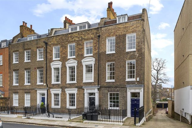 Front Exterior of Colebrooke Row, London N1