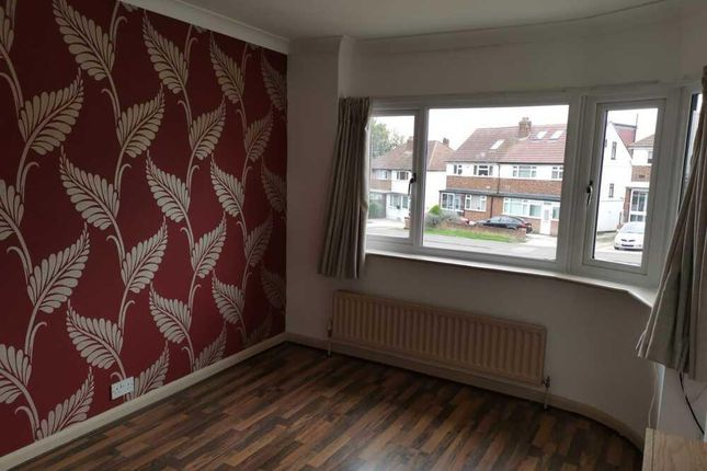 Maisonette to rent in Perry Street, Crayford, Kent