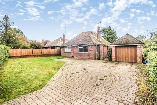 Thumbnail Detached bungalow for sale in Valley Road, Studham, Dunstable