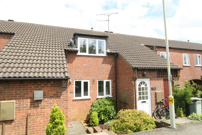 Thumbnail Flat for sale in Ladywell, Oakham