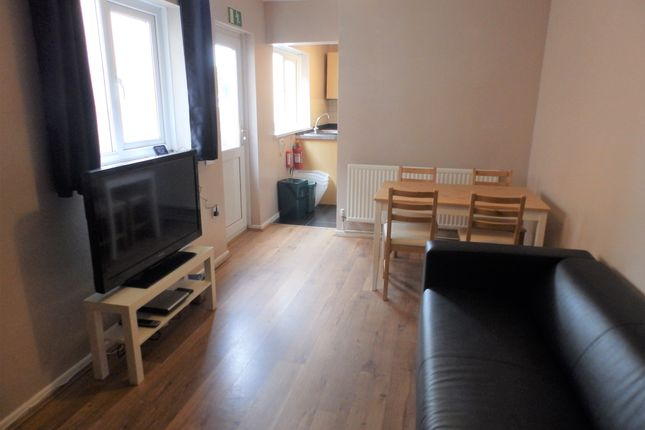 Thumbnail Shared accommodation to rent in Malvern Terrace, Swansea