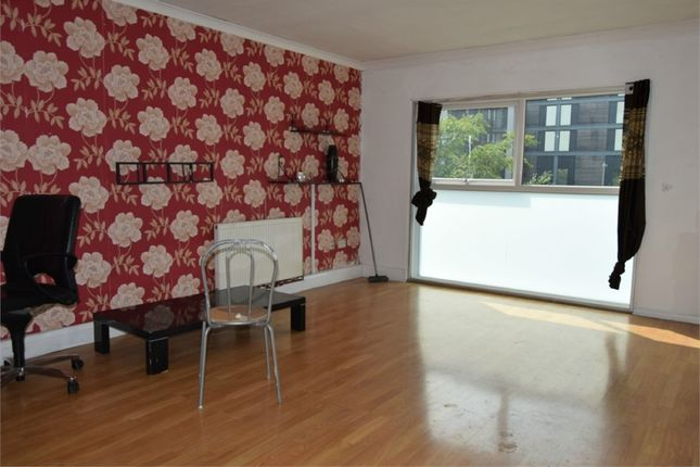 Thumbnail Flat to rent in Pine Tree Close, Hounslow, Middlesex