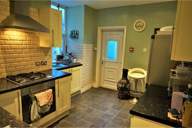Thumbnail Terraced house to rent in Pembroke Street, Salford