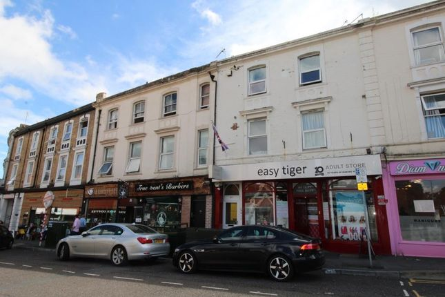 Flat to rent in The Triangle, Bournemouth