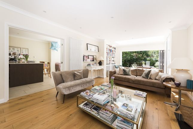 Thumbnail Property to rent in Vicarage Road, London