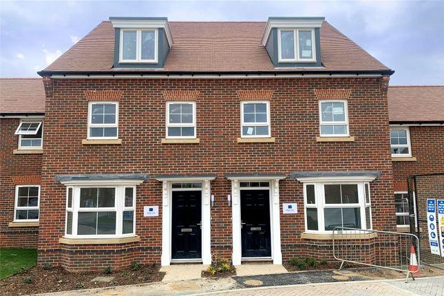 1 bed flat for sale in Grange Road, Tongham, Surrey GU10