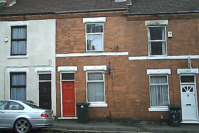 Terraced house to rent in Carmelite Road, Stoke