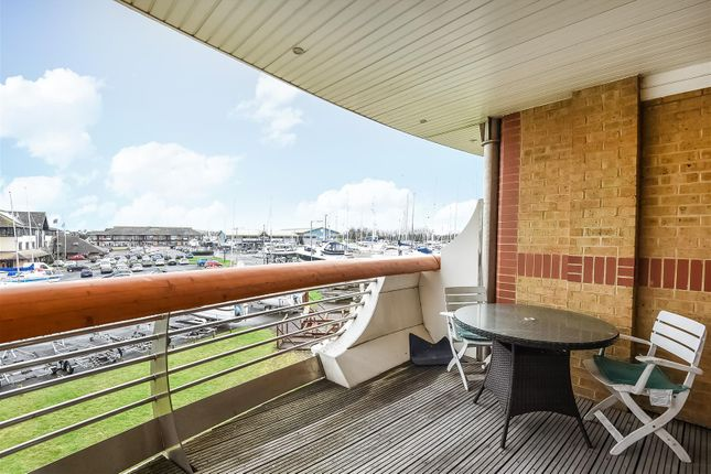 Thumbnail Flat for sale in Victory House, Lock Approach, Port Solent