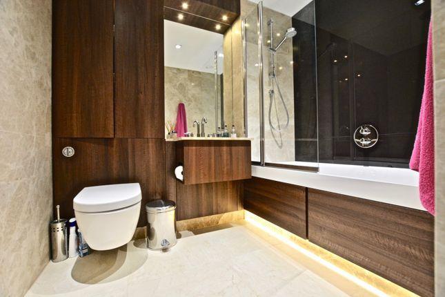 Bathroom of 8 Kew Bridge Road, Brentford TW8