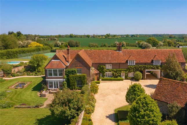 Thumbnail Detached house for sale in Annables Lane, Harpenden, Hertfordshire