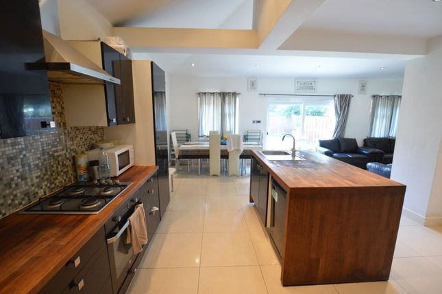 Thumbnail Terraced house to rent in Boundary Road, Walthamstow