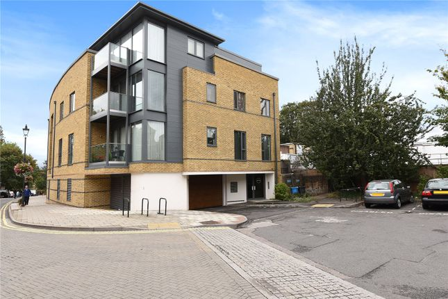 Thumbnail Flat to rent in Centric, Acre Passage, Windsor, Berkshire