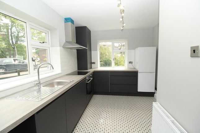 Thumbnail Flat to rent in Drummond Court, Doddinghurst Road