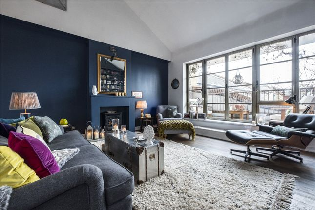 Thumbnail Flat for sale in The Circle, Queen Elizabeth Street, London