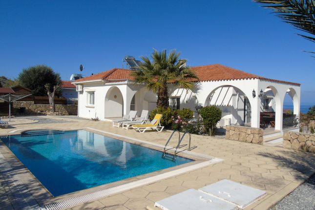 3 bed detached bungalow for sale in Kayalar, Orga, Kyrenia, Cyprus