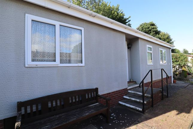 Thumbnail Mobile/park home for sale in Stone Valley Court, Waddington, Lincoln