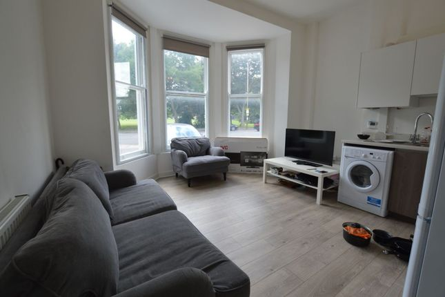 Thumbnail Flat to rent in London Road, City Centre