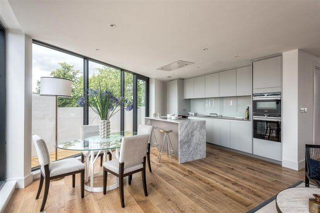 Thumbnail Flat for sale in Upper Richmond Road, London