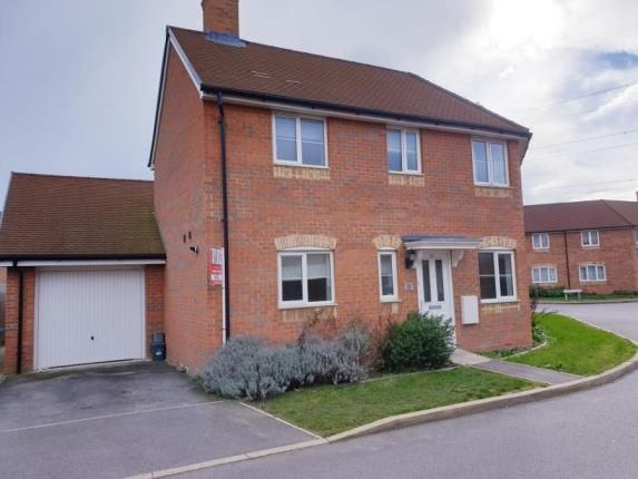 Picture No.21 of Colney Road, Aylesbury, Buckinghamshire HP18