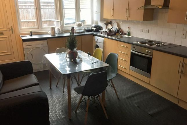 Thumbnail Property to rent in Mayfield Close, Uxbridge