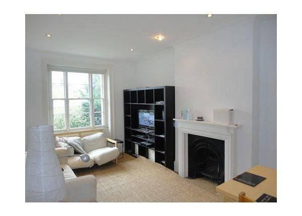 4 bed flat to rent in Parkhurst Road, Islington