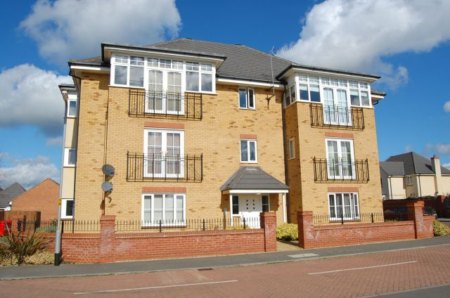 Thumbnail Flat to rent in St Crispins Crescent, St Crispins, Northampton