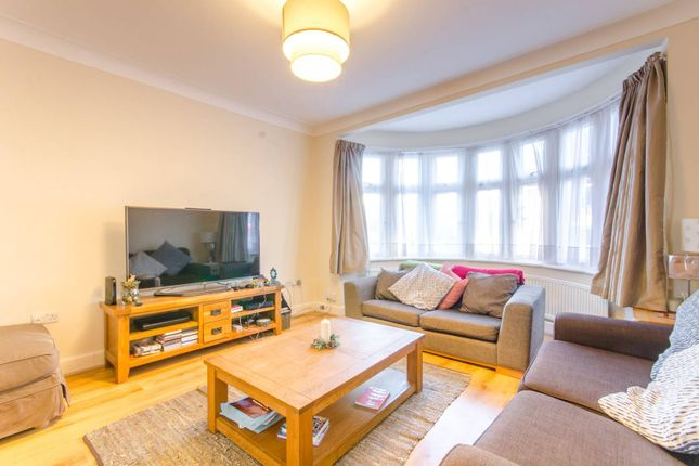 Thumbnail Property to rent in Hyde Park Avenue, Winchmore Hill