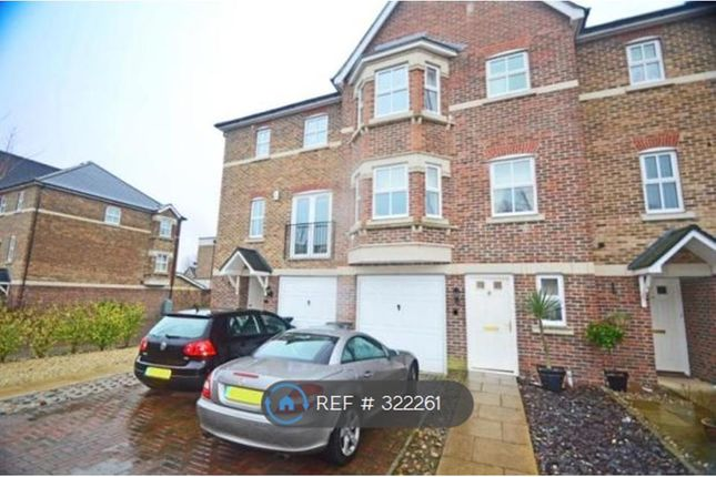 Thumbnail Terraced house to rent in Cavendish Walk, Epsom