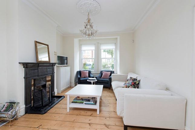 3 bed terraced house to rent in Second Avenue, London SW14