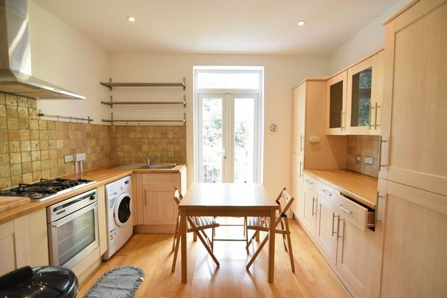 Thumbnail Maisonette to rent in Roundhill Crescent, Brighton