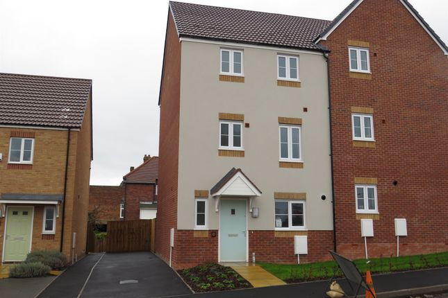Thumbnail Town house for sale in Artisan's Walk, Delph Road, Brierley Hill