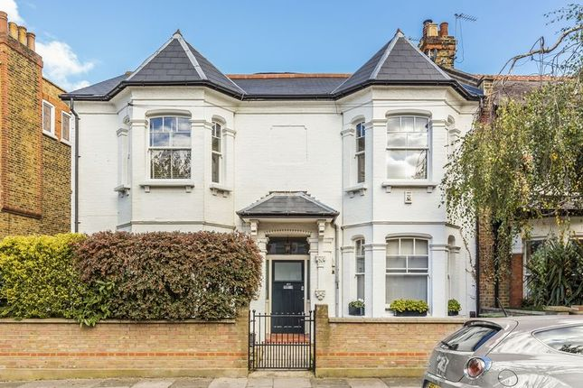 Thumbnail Flat for sale in Cleveland Gardens, Barnes, London