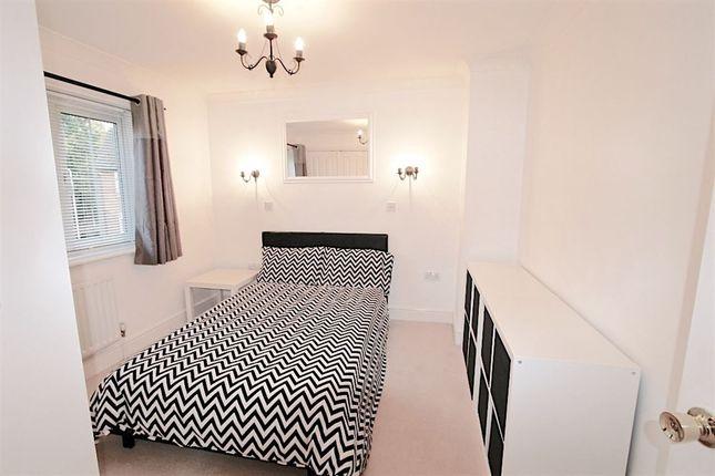 Thumbnail Room to rent in Cavendish Court, Newbury
