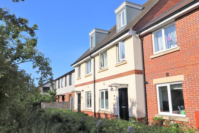 3 bed town house for sale in Sterling Way, Upper Cambourne, Cambourne, Cambridge CB23