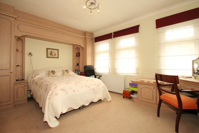 Thumbnail Flat for sale in Brickfield Close, Brenthouse Road, London