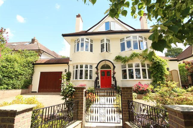 Thumbnail Detached house for sale in The Avenue, Potters Bar