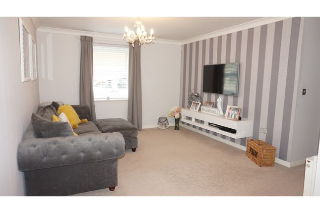 Thumbnail Flat for sale in Randall Close, Witham